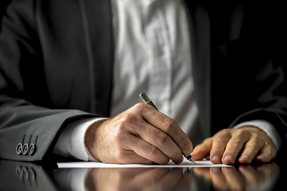 How to Convince A Client To Sign Off On A Proposal
